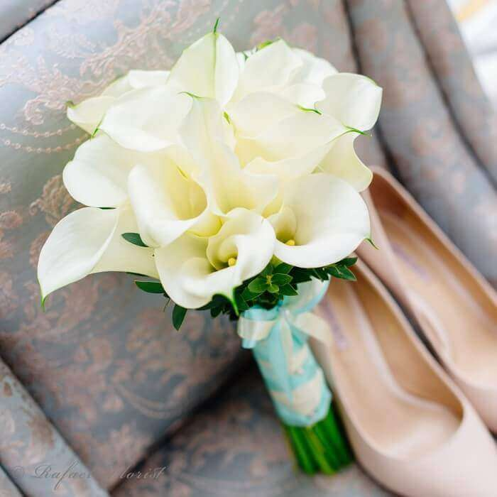Wedding Bouquet Of Calla Lilies A Perfect Bouquet For The Bride